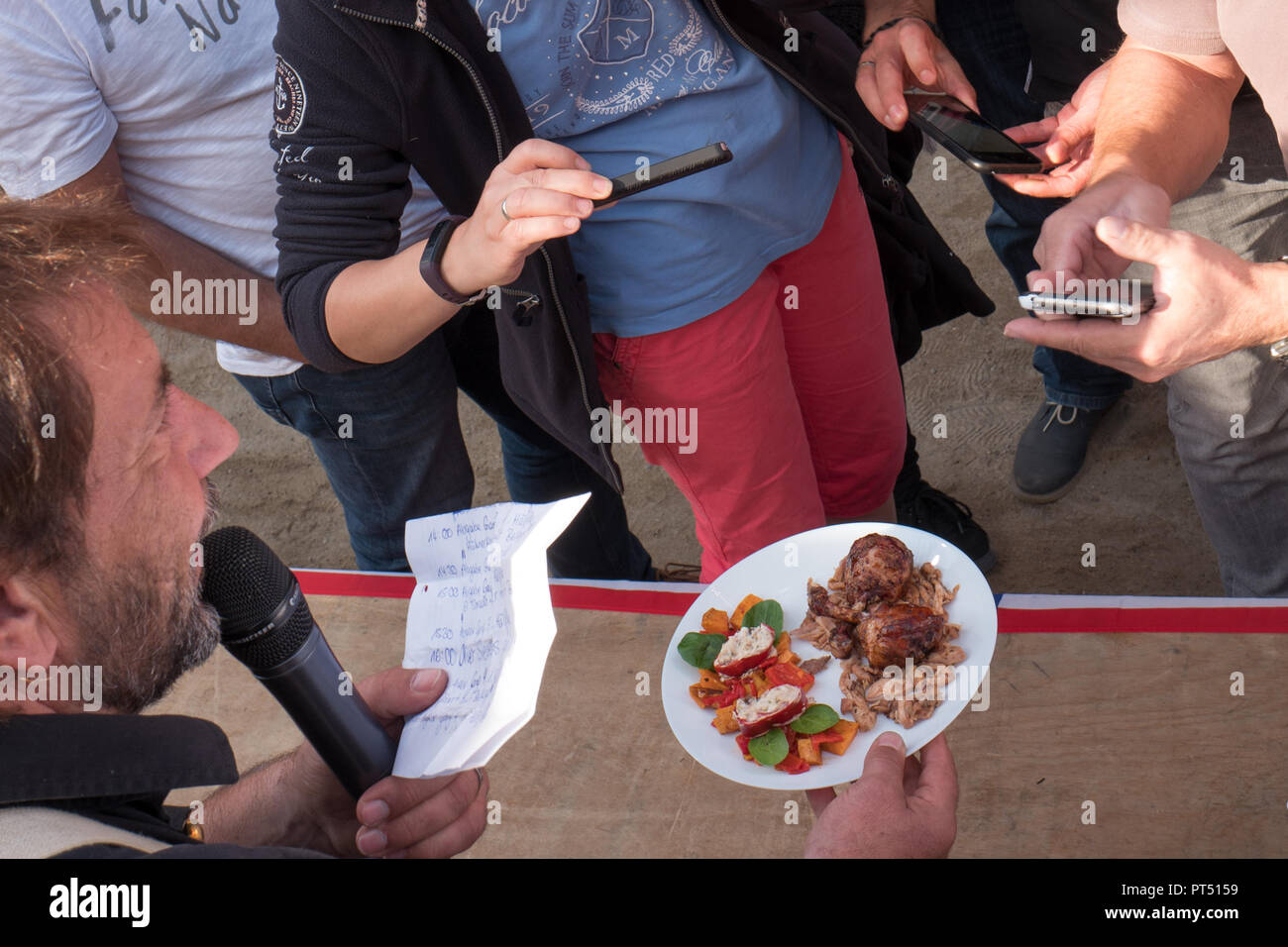 Templin, Brandenburg. 06th Oct, 2018. 06 October 2018, Germany, Templin: At the first 'Brandenburg Barbecue Championship' in the 'El Dorado Templin' one of the presented dishes is photographed. A total of eight teams grill for the grill crown. Credit: Jörg Carstensen/dpa/Alamy Live News - Stock Image