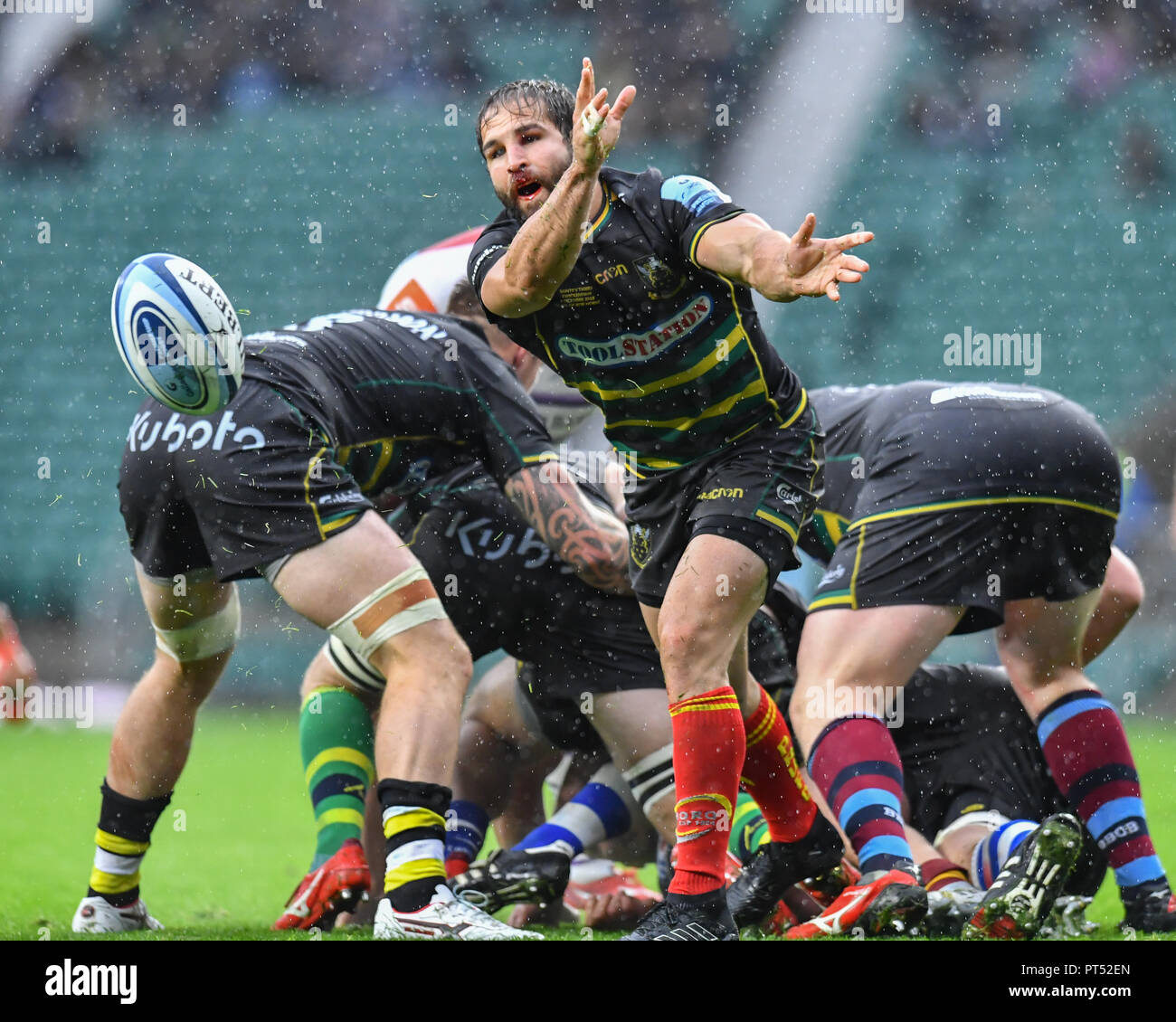 London, UK. 6th Oct 2018. Jacobus Reinach of Northampton Saints in action during Gallagher Premiership match between Northampton Saints and Leicester Tigers in Aid of Rob Horne at Twickenham Stadium on Saturday, 06 October 2018. LONDON ENGLAND.  (Editorial use only, license required for commercial use. No use in betting, games or a single club/league/player publications.) Credit: Taka Wu/Alamy Live News Stock Photo