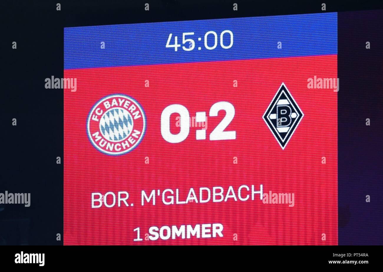 firo: 06.10.2018 Fuvuball, Football: 1.Bundesliga Bayern Munich - Borussia Mv? nchengladbach, scoreboard, halftime, general, depositor   usage worldwide - Stock Image