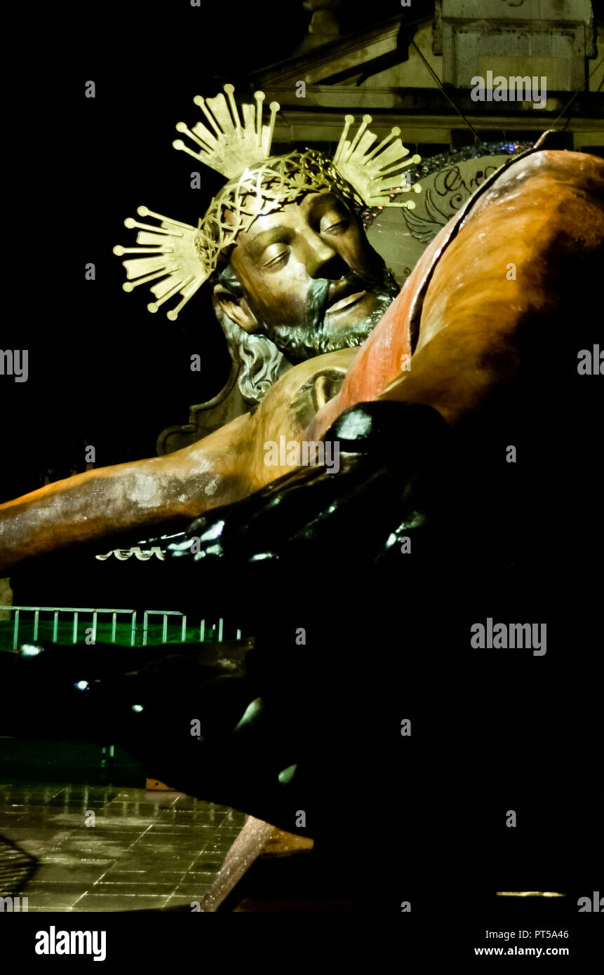 October 6, 2018 - October, 06 2018 Tepotzotlan, México. Sculpture replica of the ''lord of the niche'', made with keys and bronze materials. Height 15 meters, width 10 meters, weight 16 tons, bronze material. PHOTO: OMAR L'PEZ (Credit Image: © Omar LopezZUMA Wire) - Stock Image