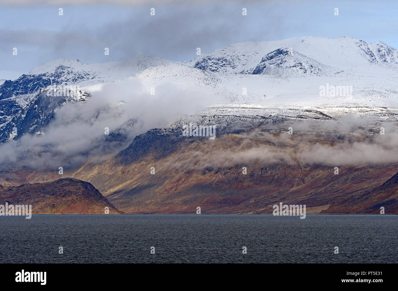 Dramatic Peaks on the Coast of Baffin Island pear Pangnirtung, Nunavut, Canada Stock Photo