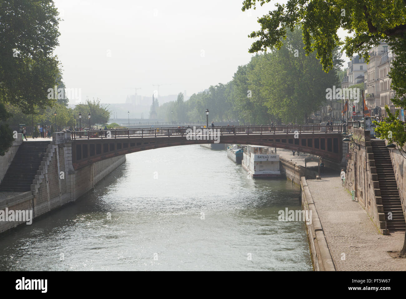 Pont au Double, Paris, France. - Stock Image