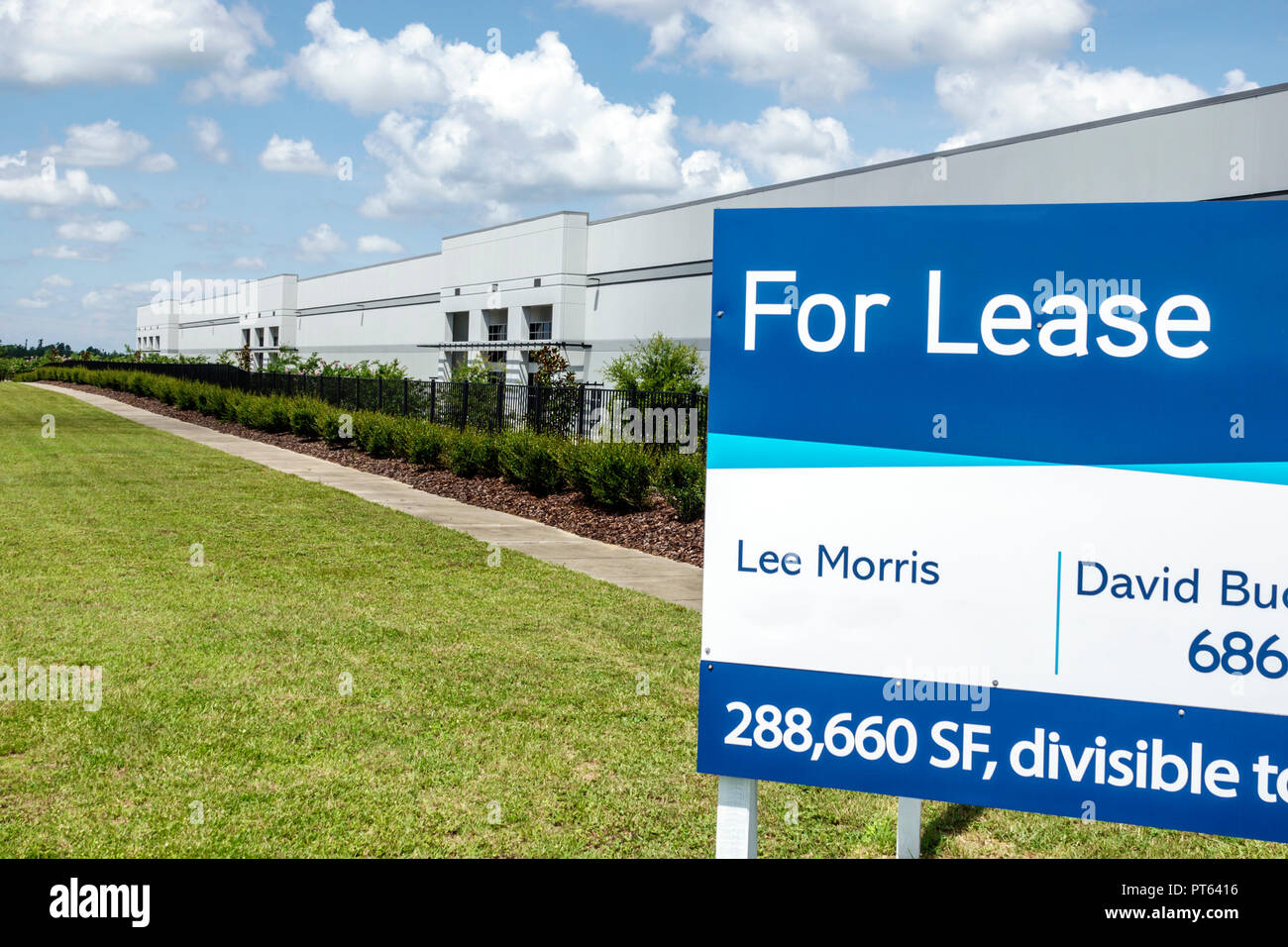 Davenport Florida warehouse for lease sign - Stock Image