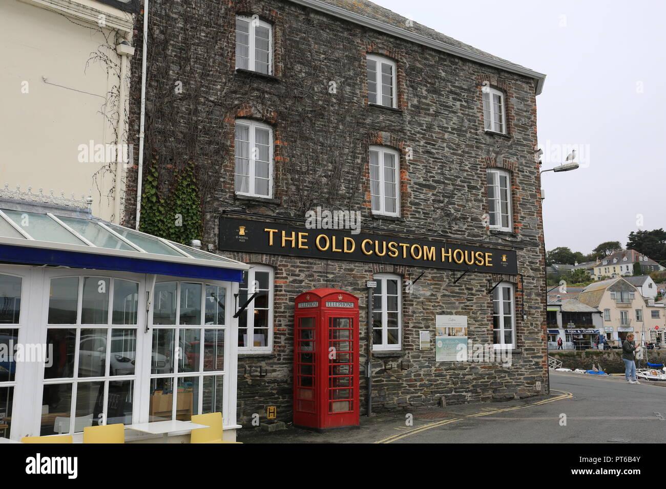 The Old Custom House Stock Photo Alamy