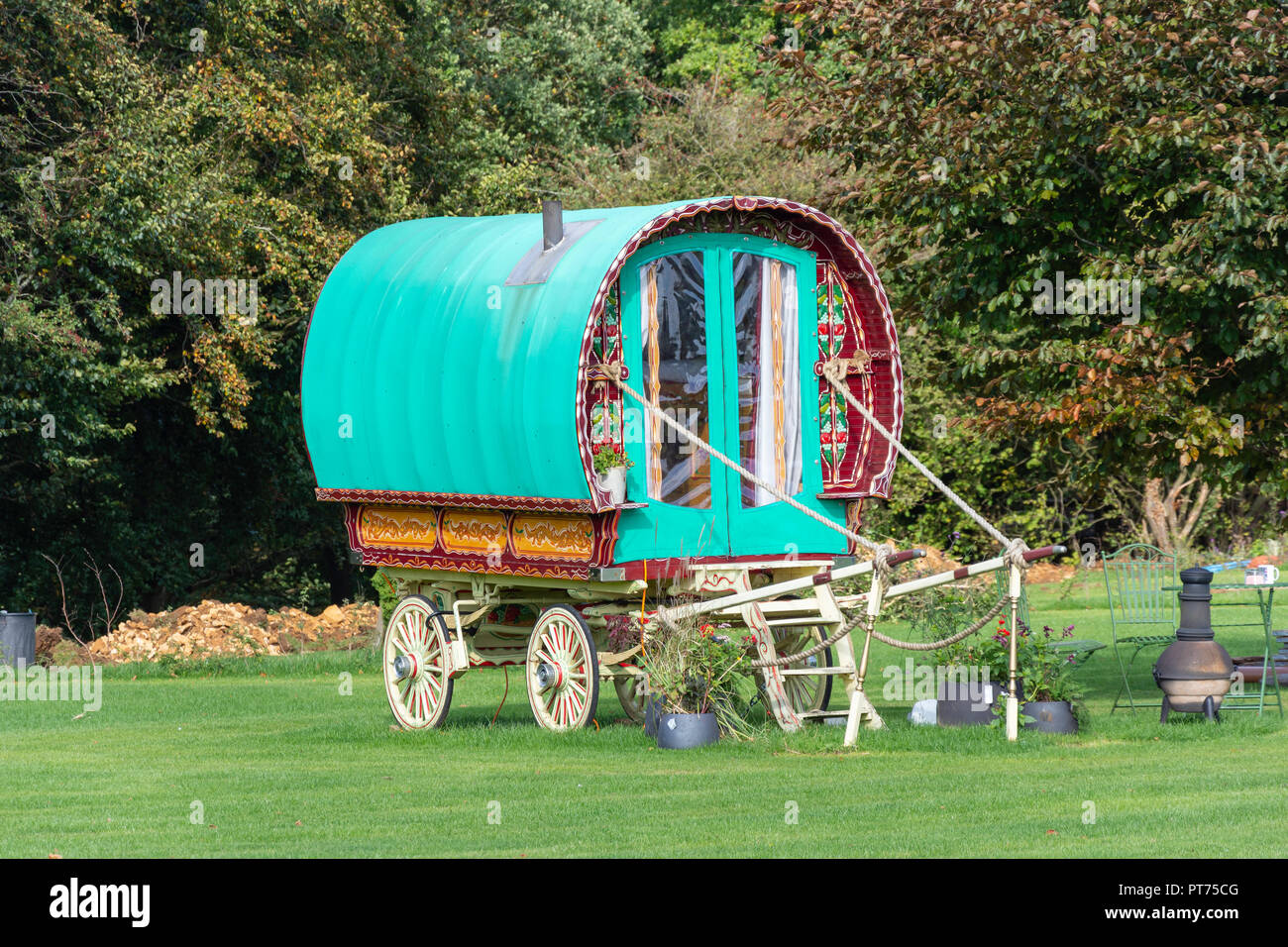 Gypsy caravan at Seven Acres Glamping Site, near Stroud, Gloucestershire, England, United Kingdom - Stock Image