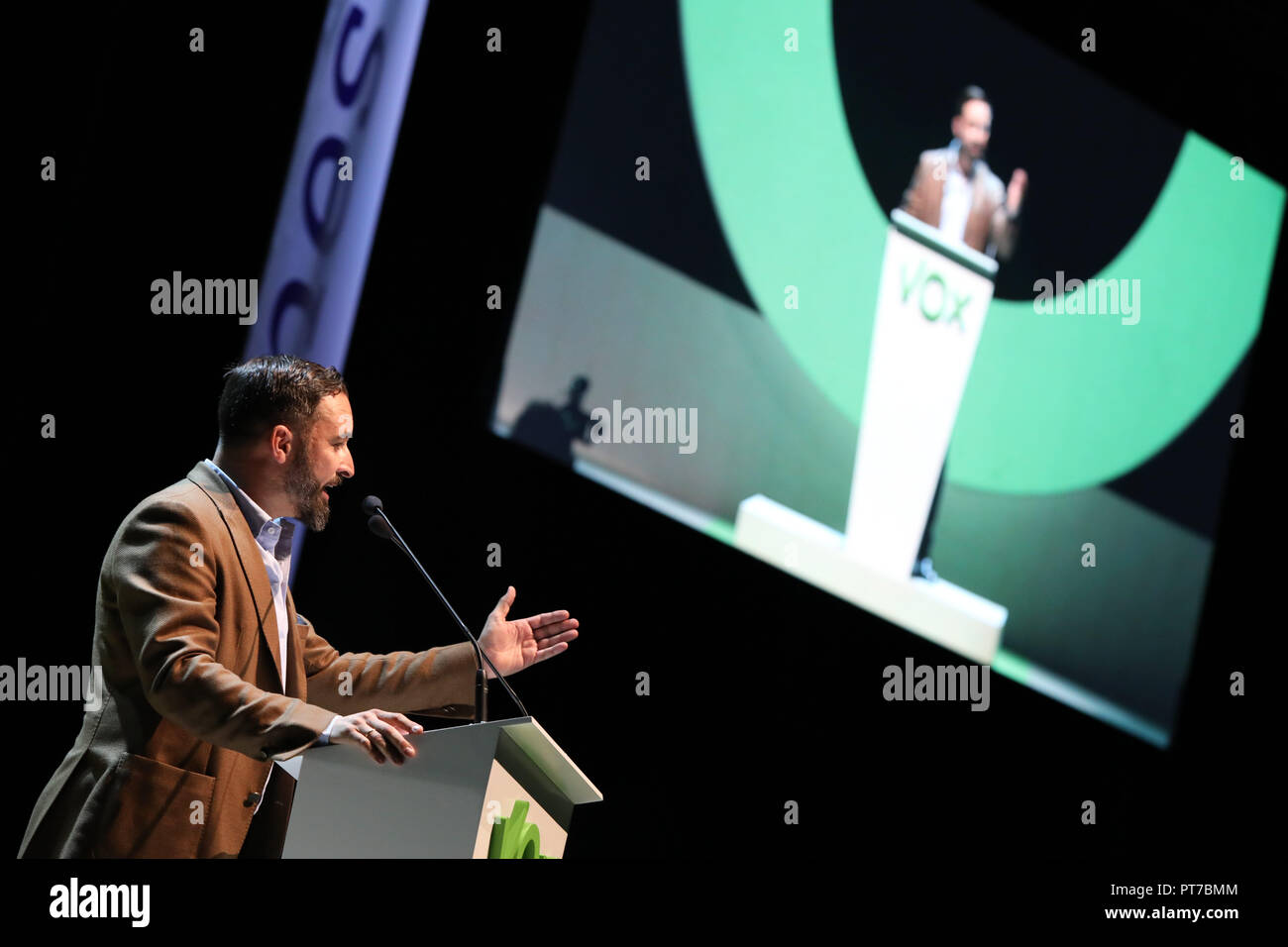 Madrid, Spain. 7th Oct 2018. SANTIAGO ABASCAL, the national president of VOX, participating in the event. The far-right political party Vox has crowded this Sunday the 'Palacio de Vistalegre' in a massive event that has attended, according to the organisers, 10,000 people, and in which they have presented their 100 urgent measures for Spain on Oct 7, 2018 in Madrid, Spain Credit: Jesús Hellin/Alamy Live News - Stock Image
