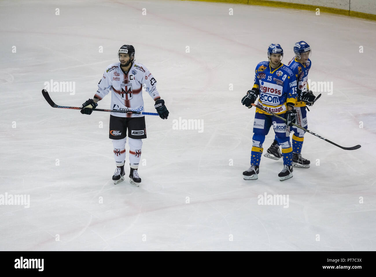 Milan, Italy. 7th October, 2018. Hockey Milano Rossoblù meets Asiago Hockey 1935 in an Alps Hockey League match Credit: Luca Quadrio/Alamy Live News Stock Photo