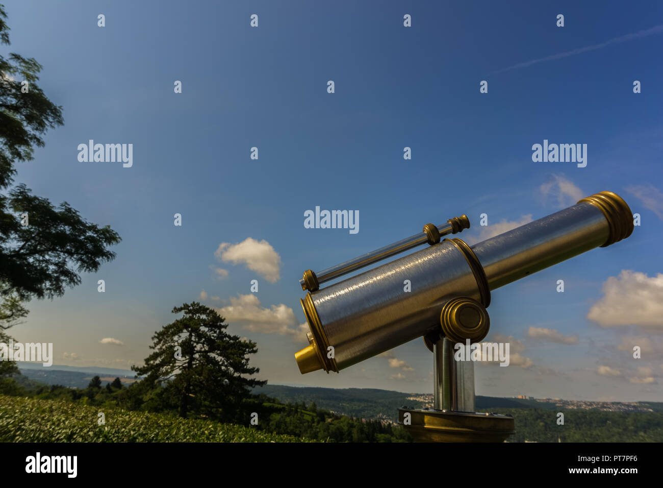 A telescope on a hill - Stock Image