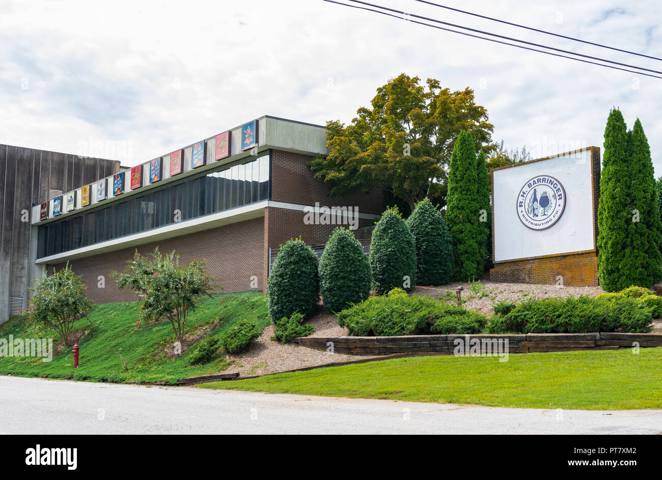 HICKORY, NORTH CAROLINA, USA-9/18/18: Building and sign of local beer distributing company, R. H. Barringer Distributing Co. Stock Photo