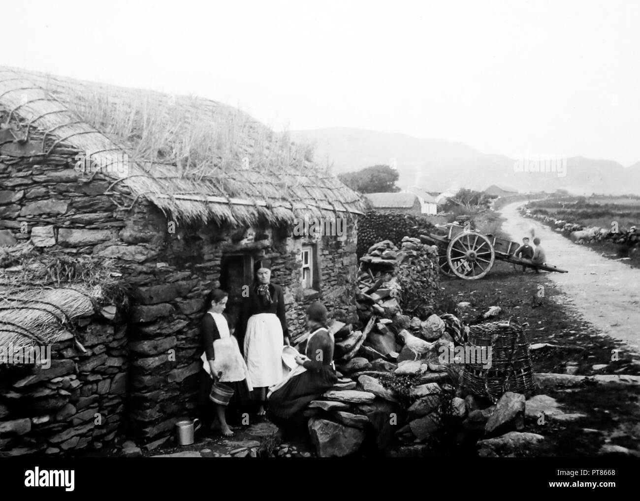 Family dwelling in Glencolmcille, West of Ireland, early 1900s - Stock Image