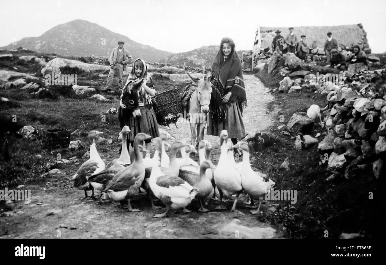 A road in Connemara, West of Ireland, early 1900s - Stock Image