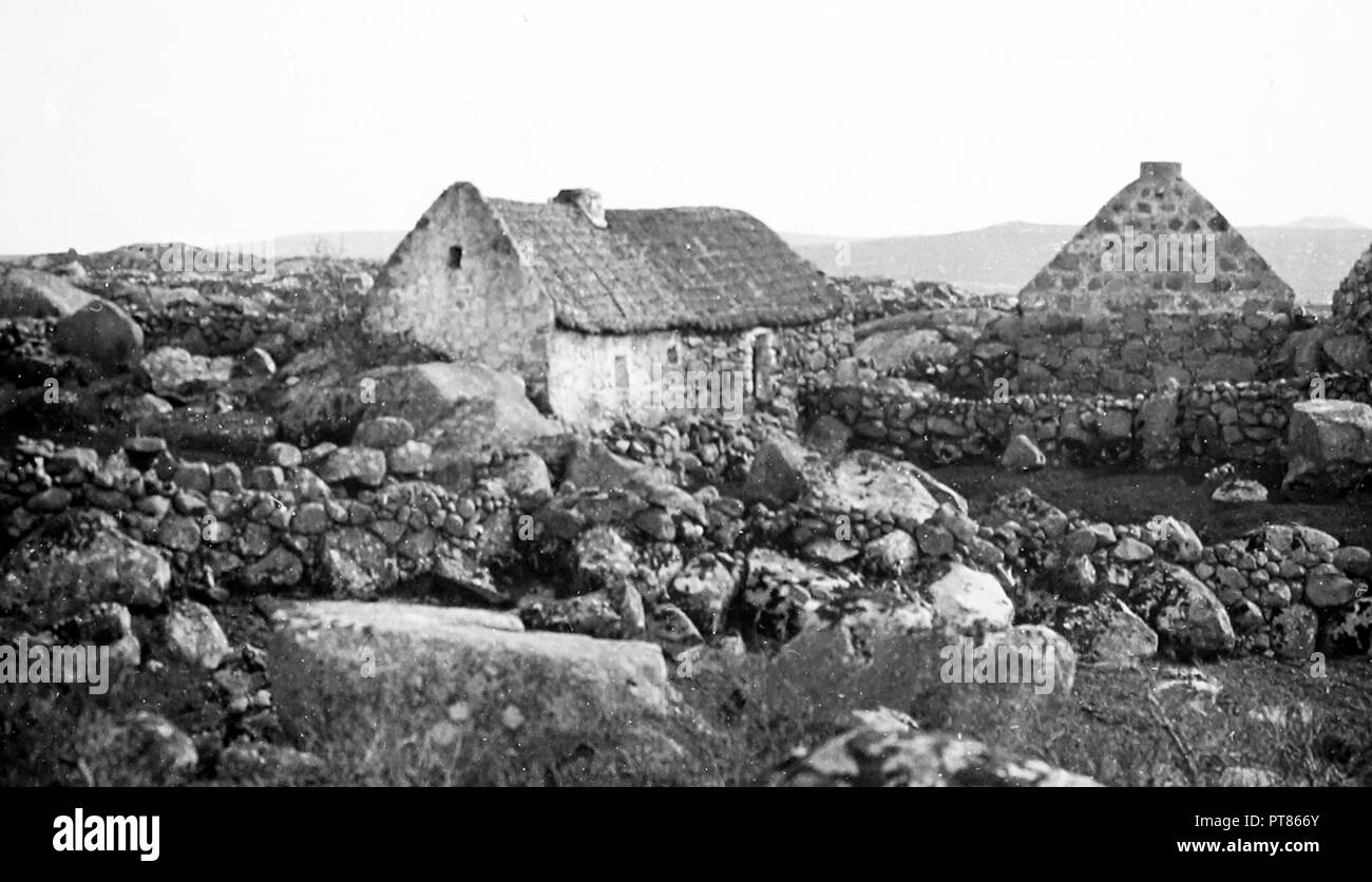 Cottage in Costelloe, Galway, Ireland, early 1900s - Stock Image