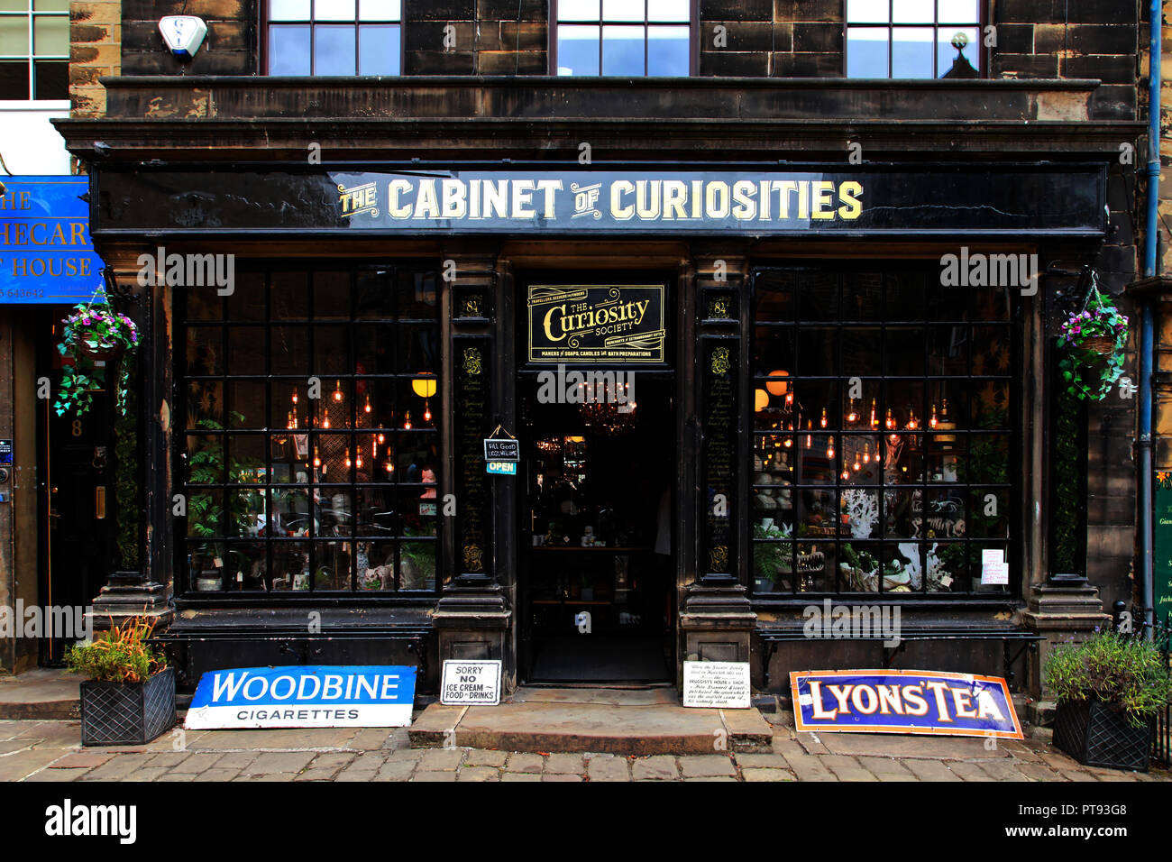 The Cabinet of Curiosities, Main Street, Haworth, Keighley, Yorkshire, England ofrmerly The Old Apothecary,Rose & Co - Stock Image