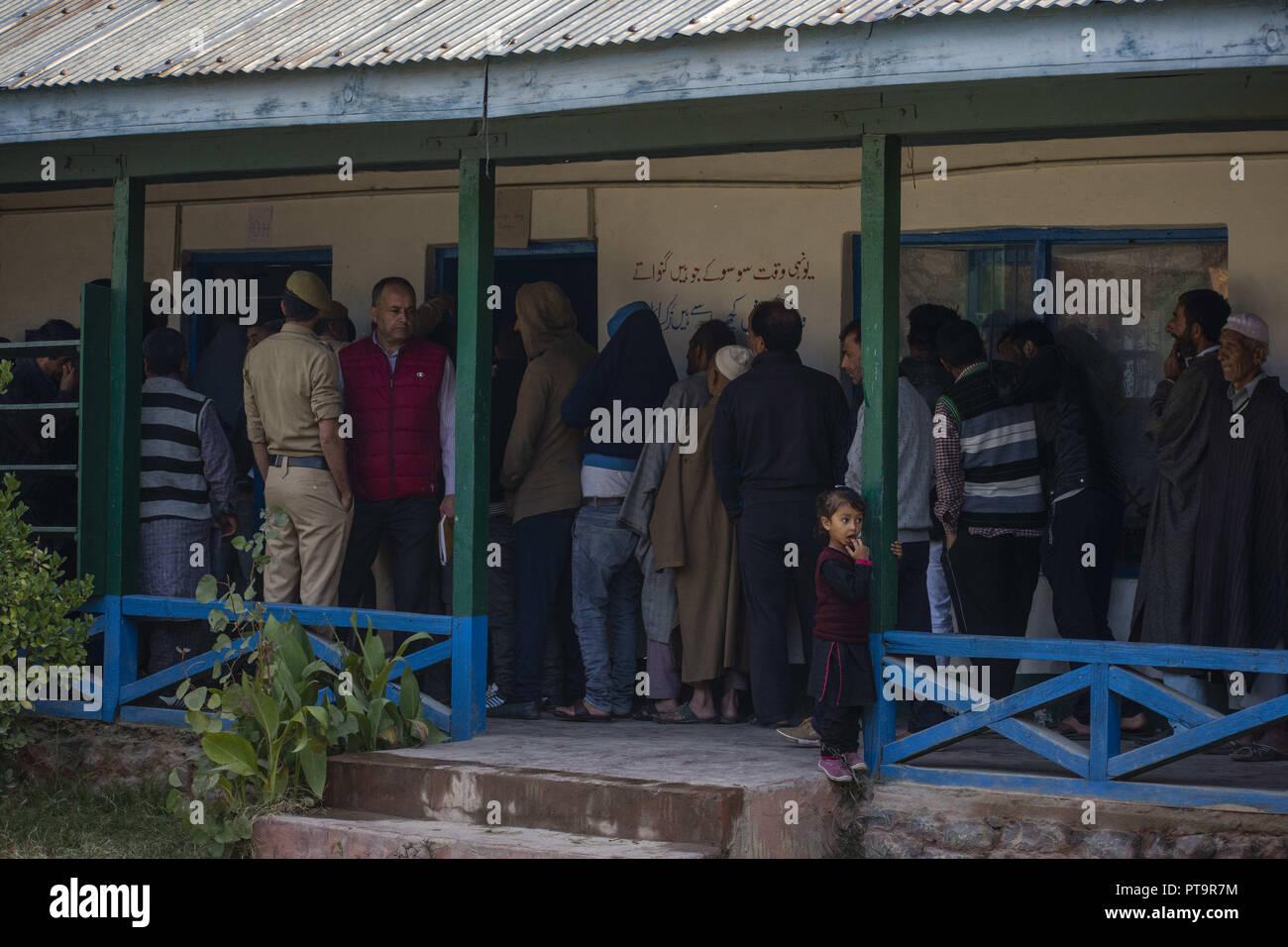 Srinagar, Indian Administered Kashmir, India  8th Oct, 2018