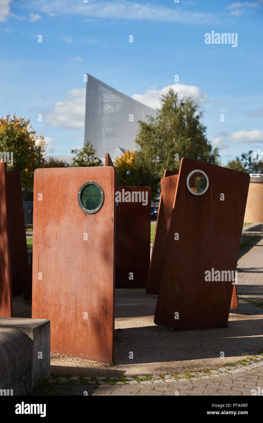 Casuals by Broadbent, A steel sculpture made in 2010 with former Salford Dock workers and their families - Stock Image