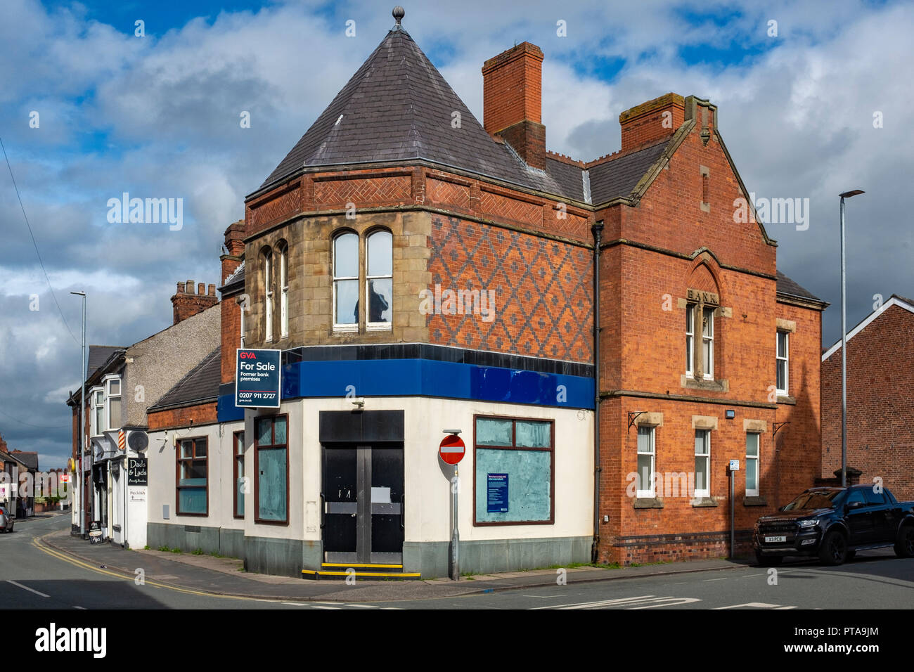 Former Royal Bank of Scotland closed down and for sale September 2018 in Sandbach Cheshire UK - Stock Image