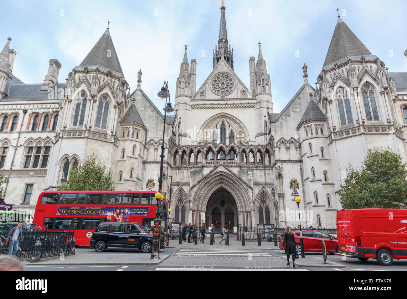 Royal Courts of Justice in Strand, City of Westminster, London WC2, civil law courts for the High Court and Court of Appeal for England and Wales Stock Photo