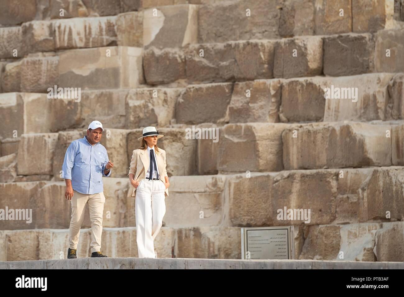 fbba1b37545701 U.S First Lady Melania Trump walks with her guide Dr. Ashraf Mohe El-Din