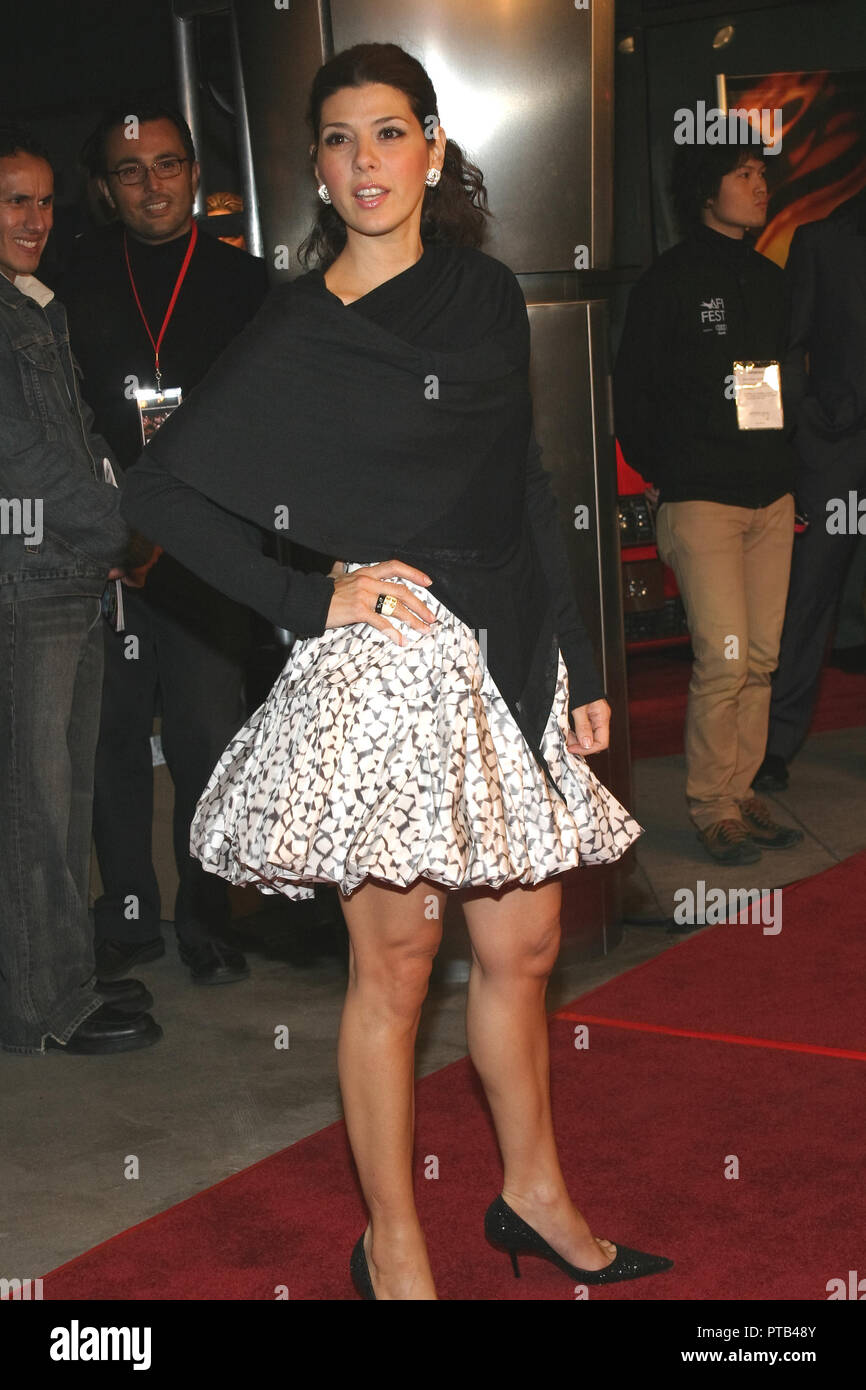Marisa Tomei  11/07/04 2004 AFI FILM FESTIVAL 'BAD EDUCATION' @ Cinerama Dome Theater, Arclight Cinemas, Hollywood Photo by Kazumi Nakamoto/HNW / PictureLux   File Reference # 33680_486HNW - Stock Image