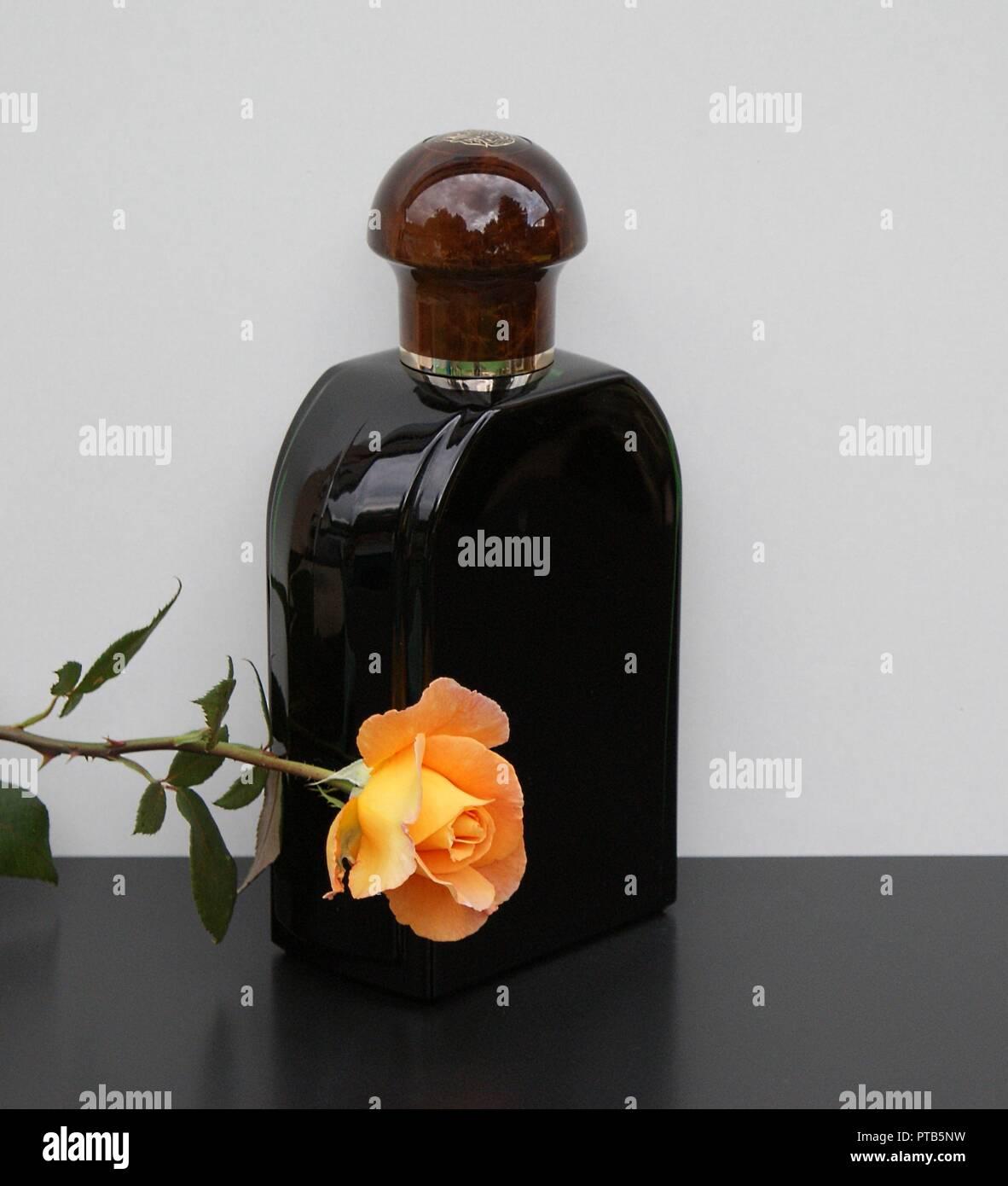 Jaguar Perfume Made In France: Eau De Perfume Stock Photos & Eau De Perfume Stock Images