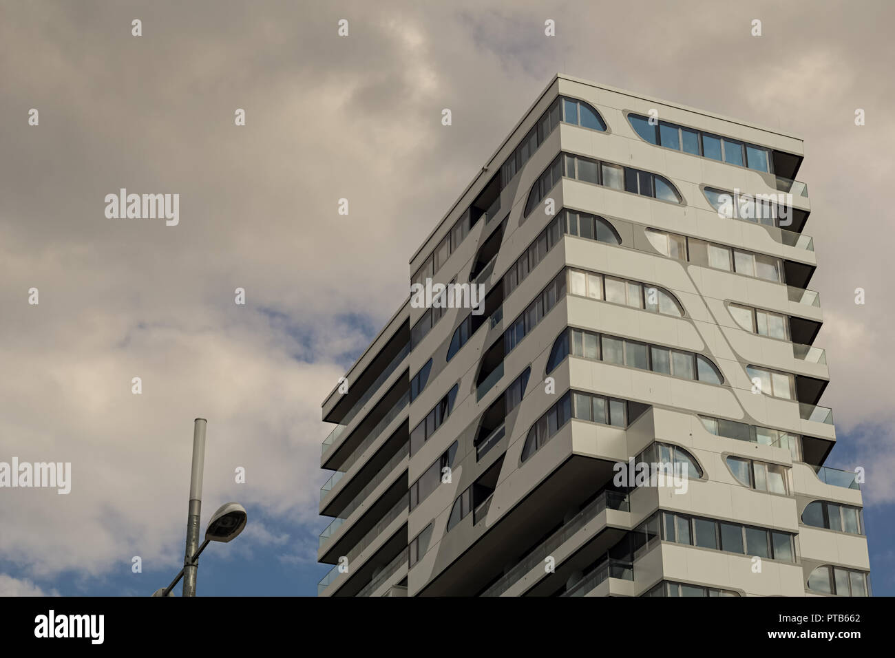 Stuttgartgermany July 112018 Cloud 7 Building This Is A New