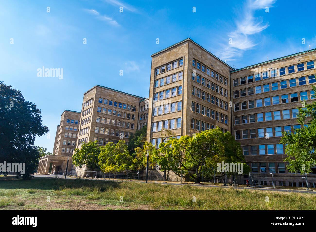 IG-Farben-Haus, by Hans Poelzig, 1928-30, New Objectivity architectural style, now Goethe University campus, Frankfurt, Hessen, Germany Stock Photo