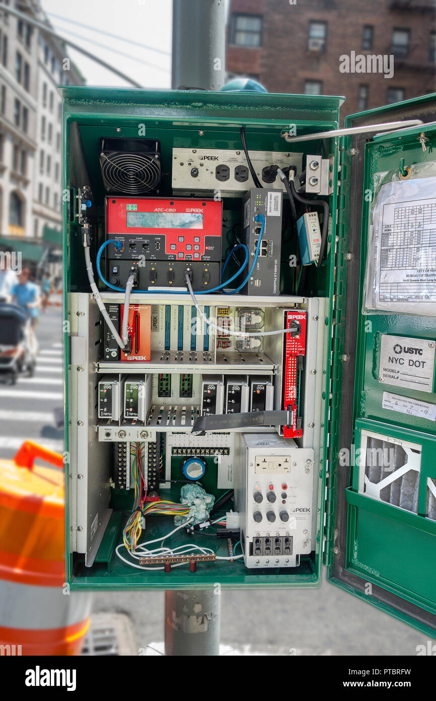Amazing Manhattan Big Green Traffic Light Box Controiler And System Stock Wiring Database Wedabyuccorg