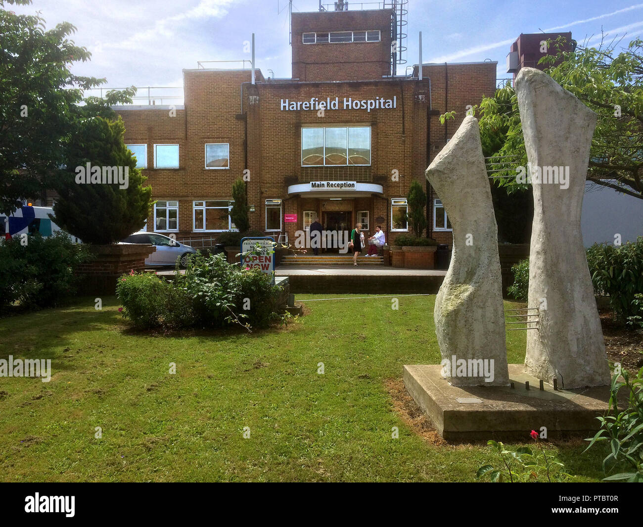 Harefield Hospital at Hillingdon . The largest specialist heart and lung centre in the UK - Stock Image