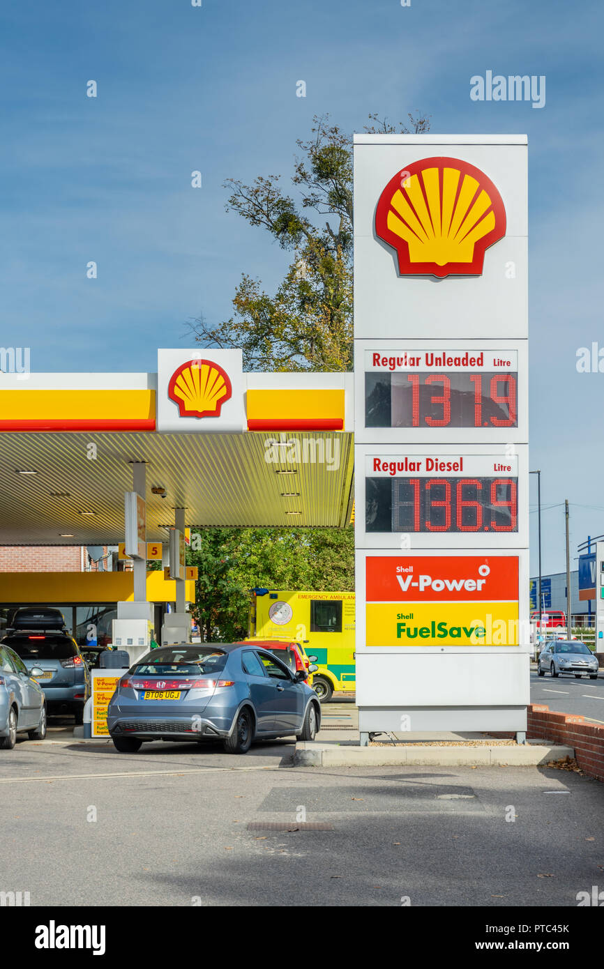 Petrol Station Uk Stock Photos & Petrol Station Uk Stock Images - Alamy