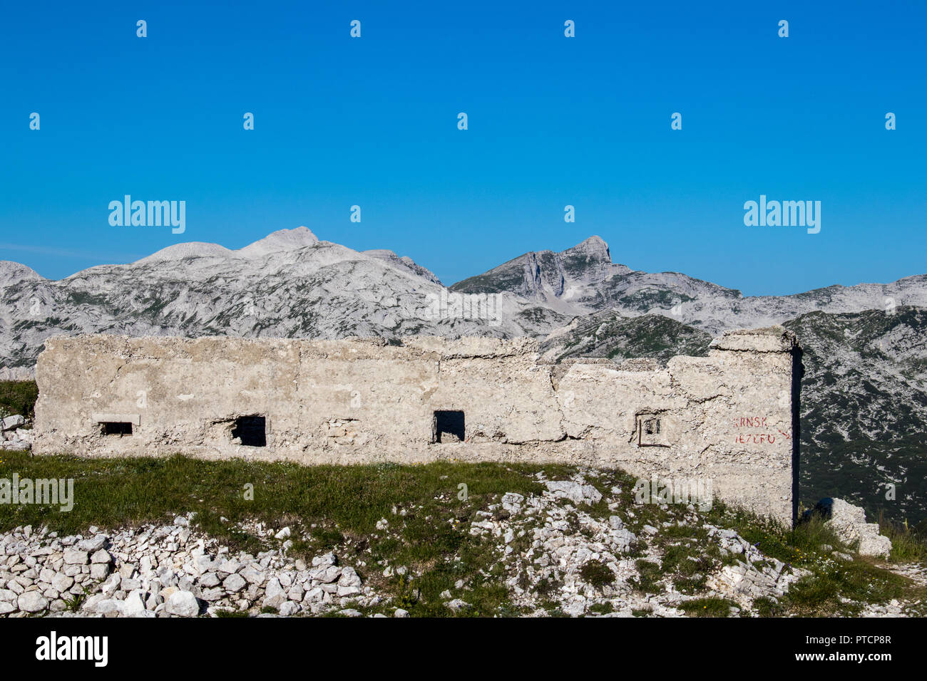 look over barrack from 1 world war to mountains - Stock Image
