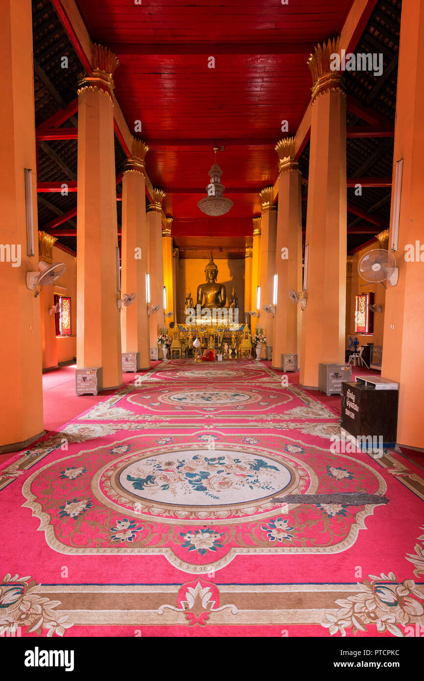 Inside the Wat Ong Teu Mahawihan (Temple of the Heavy Buddha), a Buddhist monastery, in Vientiane, Laos. - Stock Image