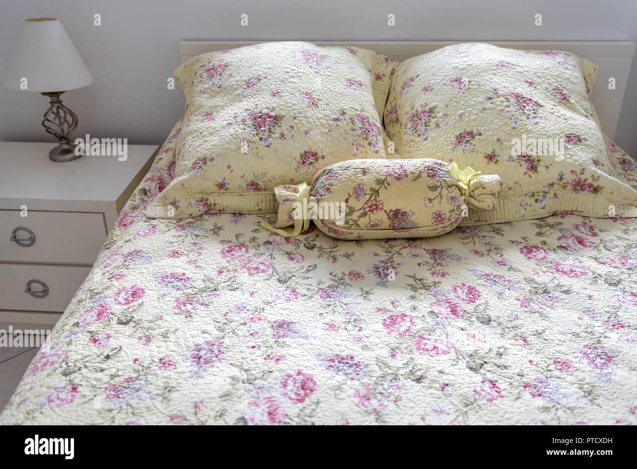 vintage old fashioned bedroom with bed comforter quilt duvet rh alamy com