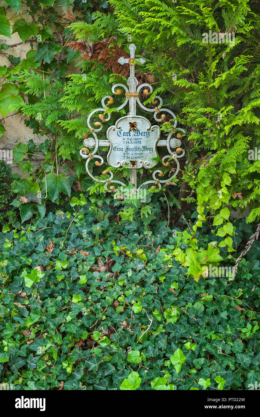 Grave of Carl Wery, 1897 -1975, German actor, Cemetery of the Catholic Filial Church St. Georg, Bogenhausen, Munich - Stock Image