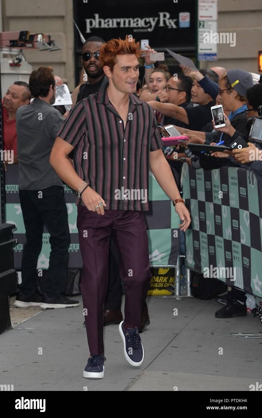 New York, NY, USA. 8th Oct, 2018. KJ Apa out and about for Celebrity Candids - MON, New York, NY October 8, 2018. Credit: Kristin Callahan/Everett Collection/Alamy Live News - Stock Image