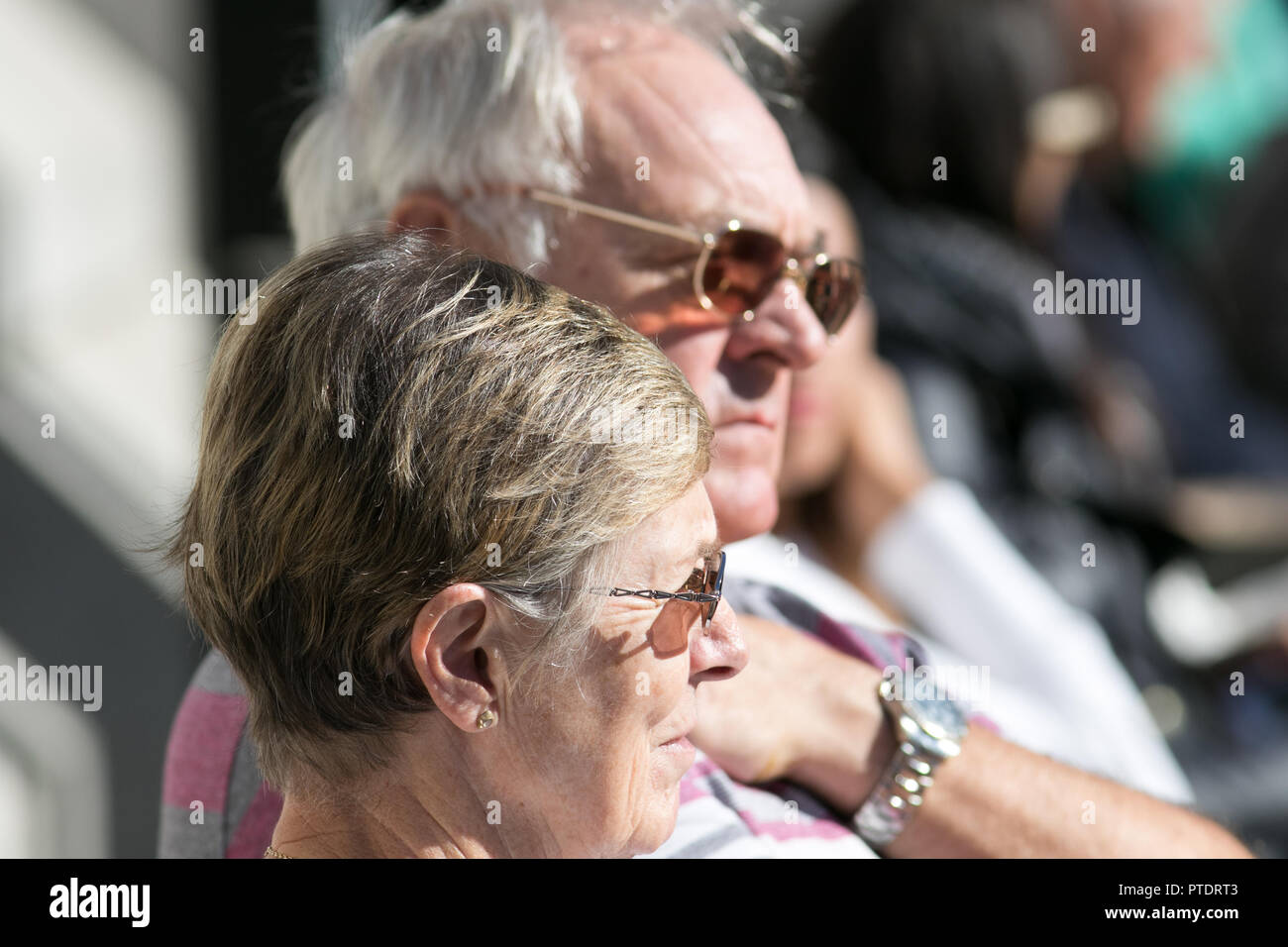 London,UK. 9th October 2018. People enjoy the beautiful autumn sunshine in Trafalgar Square on a warm sunny day as October is month tpo be the hottest in 7 years as the Indian Summer returns Credit: amer ghazzal/Alamy Live NewsStock Photo