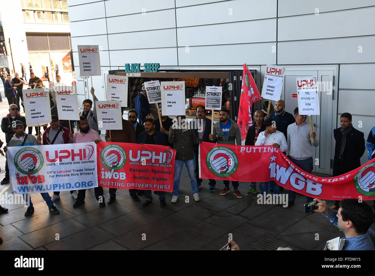 London, UK. 9th October, 2018. Uber driver strike! demand a minimun wages outside Uber offices, Aldgate Tower, London, UK. 9 October 2018. Credit: Picture Capital/Alamy Live News Stock Photo