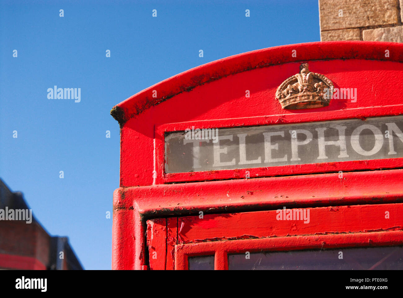 Dorchester. 9th October 2018. Traditional red telephone kiosk in sunny Dorchester, County town of Dorset Credit: stuart fretwell/Alamy Live News - Stock Image