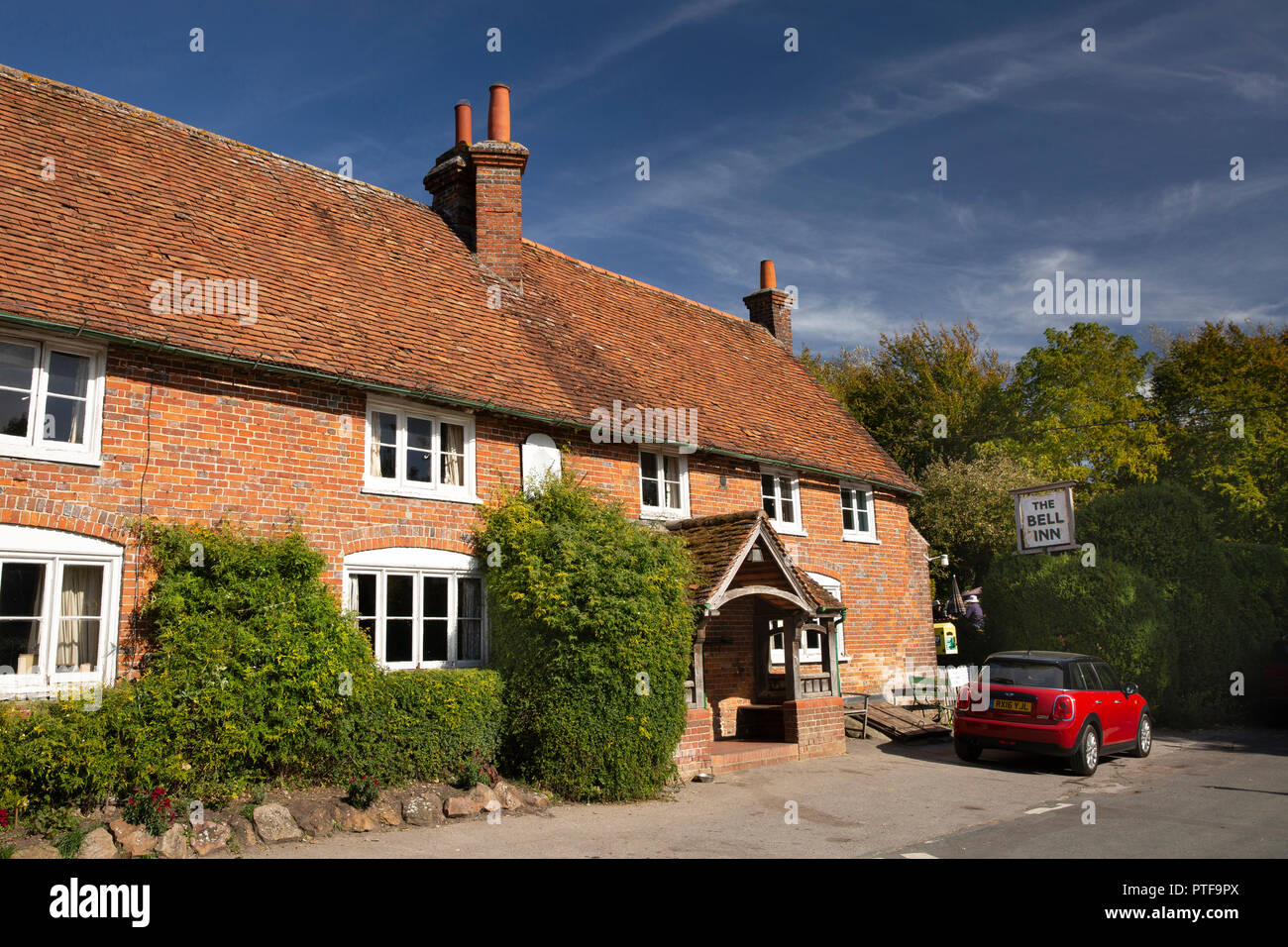 England, Berkshire, Aldworth,  Bell Inn, historic unchanged village pub - Stock Image