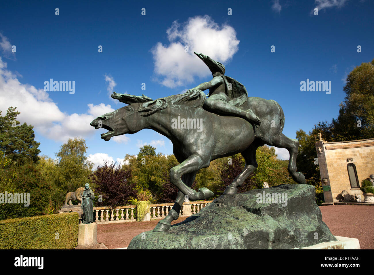 England, Berkshire,  Lower Basildon, Beale Park Wildlife Park & Gardens Wild Horse of the Valkyrie statue from the Leverhulme collection in front of 1 Stock Photo