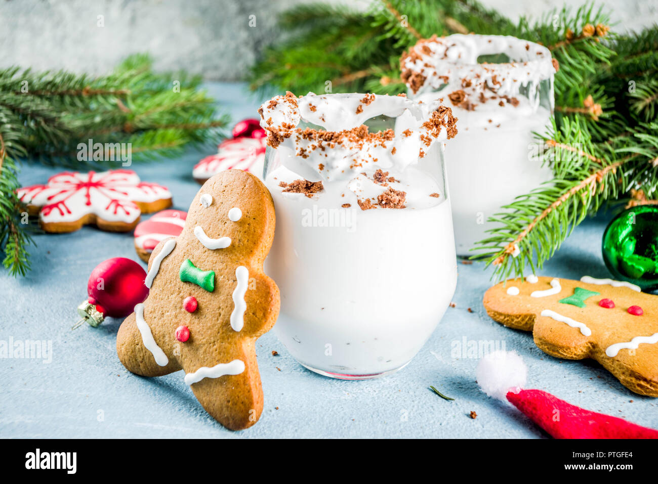 Ideas For Christmas Drink Gingerbread Martini Cold Cocktail With