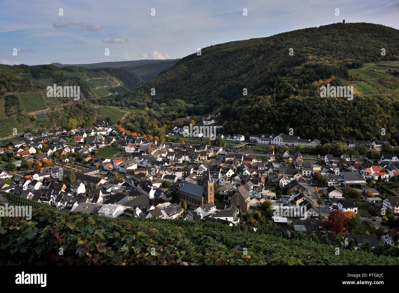 Dernau, Stadtansicht. Ort mit ca. 1700 Einwohnern. - Stock Image
