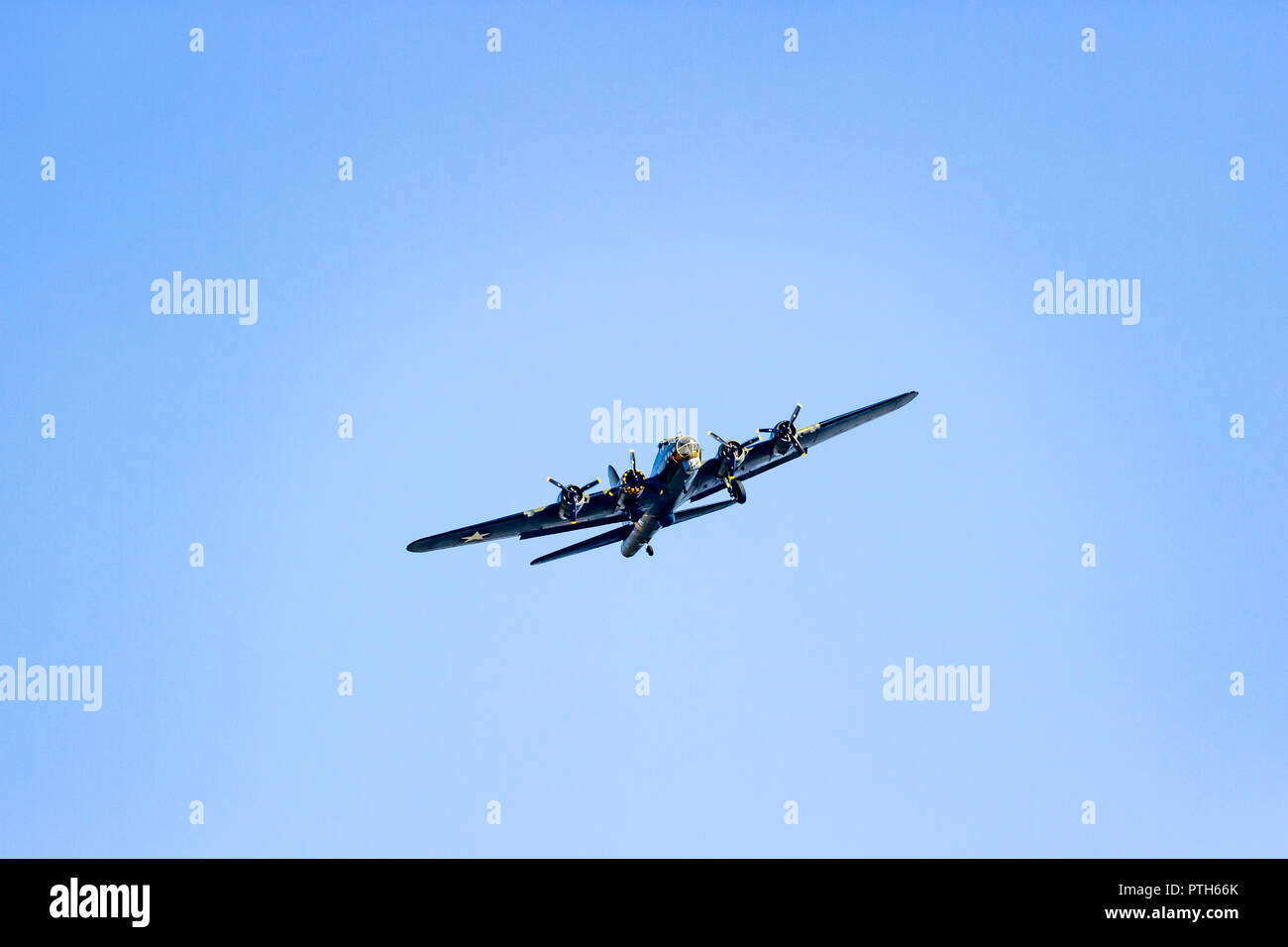 Sally B, B-17 Flying Fortress plane flying back from a display at the Bournemouth Air Festival 2018 Stock Photo