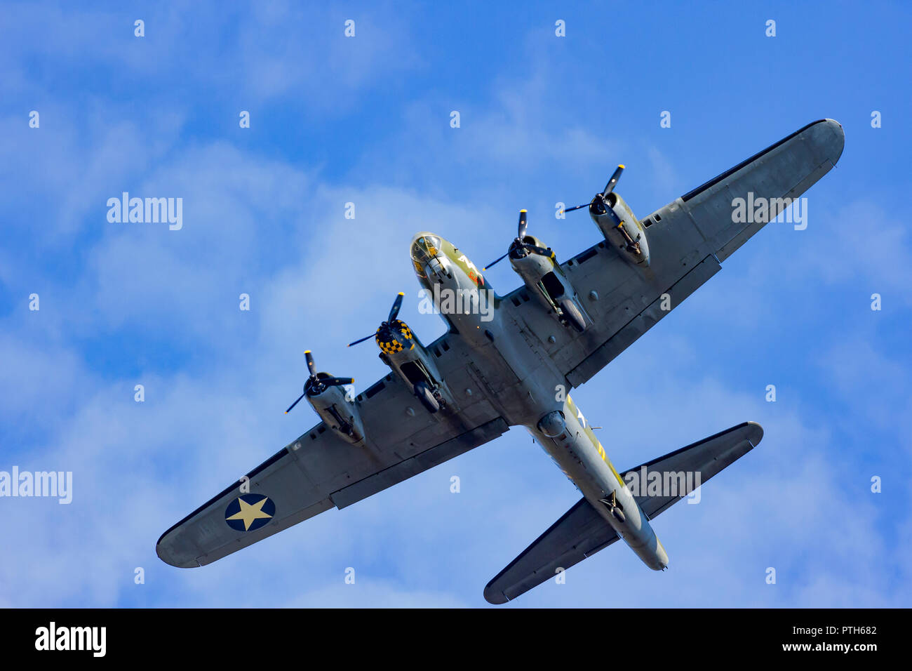 Sally B, B-17 Flying Fortress plane flying back from a display at the Bournemouth Air Festival 2018 - Stock Image