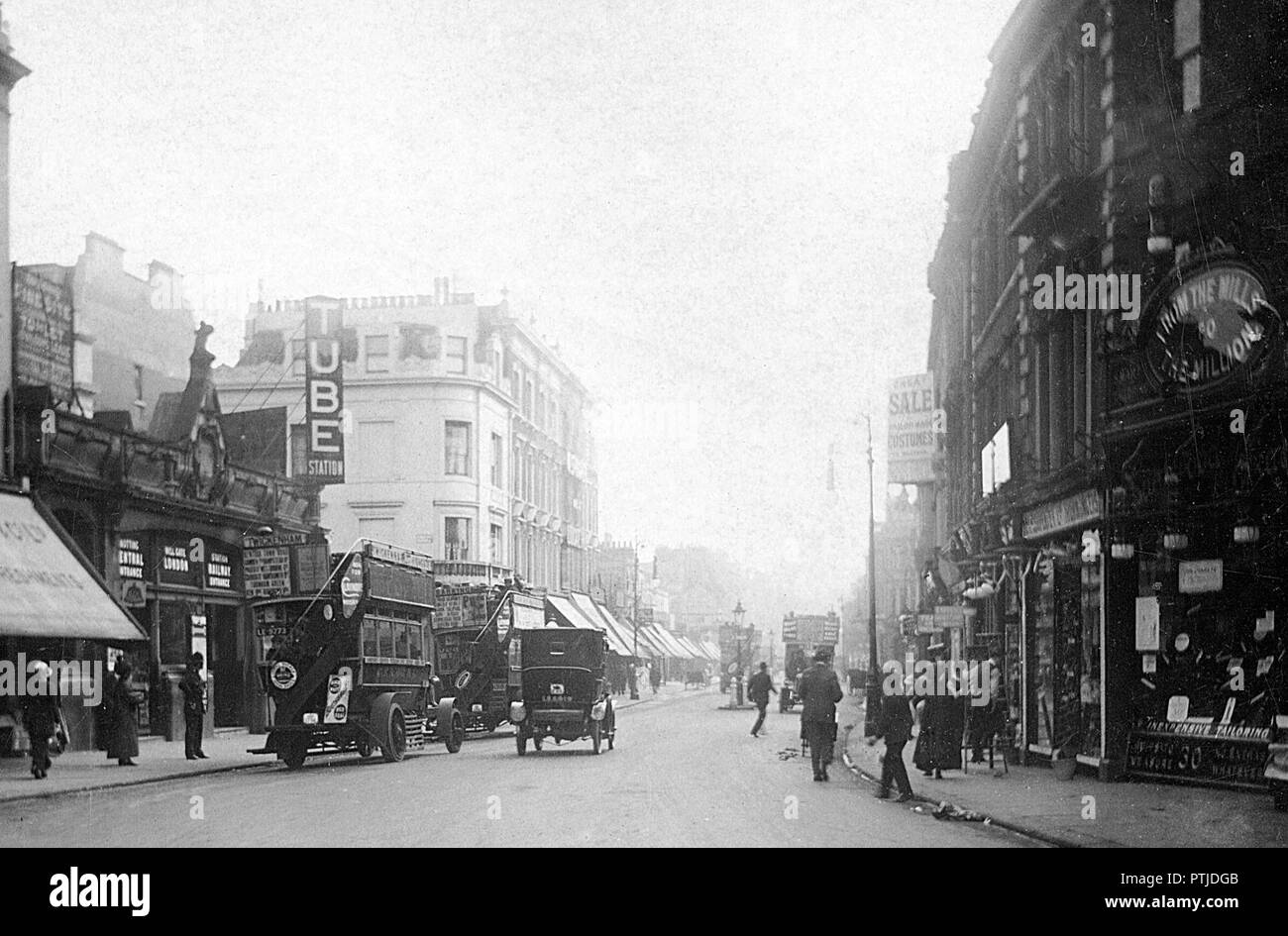 High Street Notting Hill Gate, London early 1900's - Stock Image