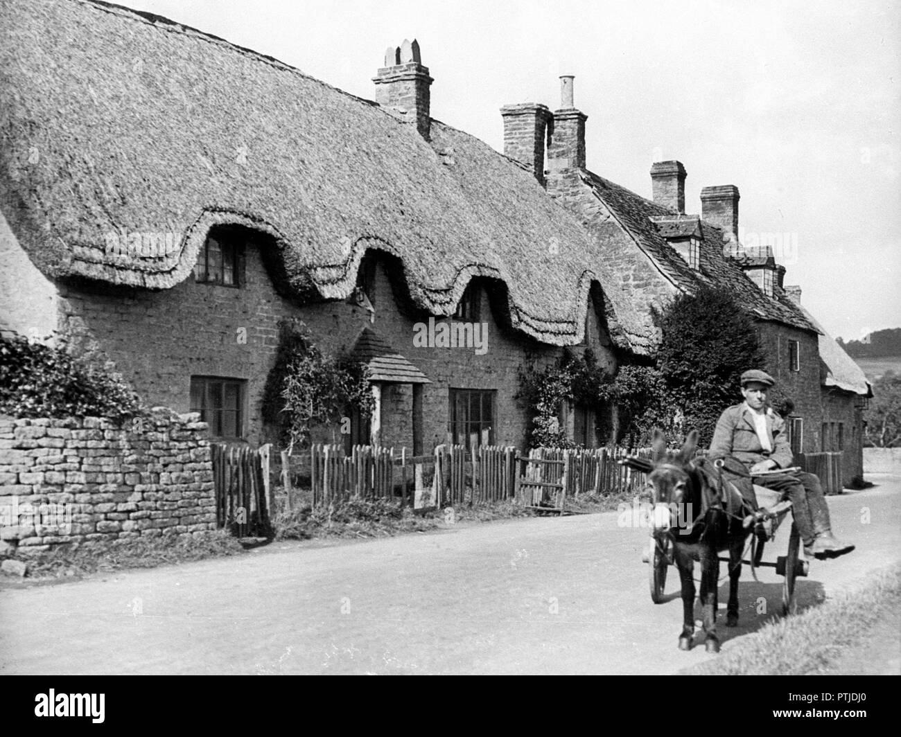 Long Compton early 1900's - Stock Image