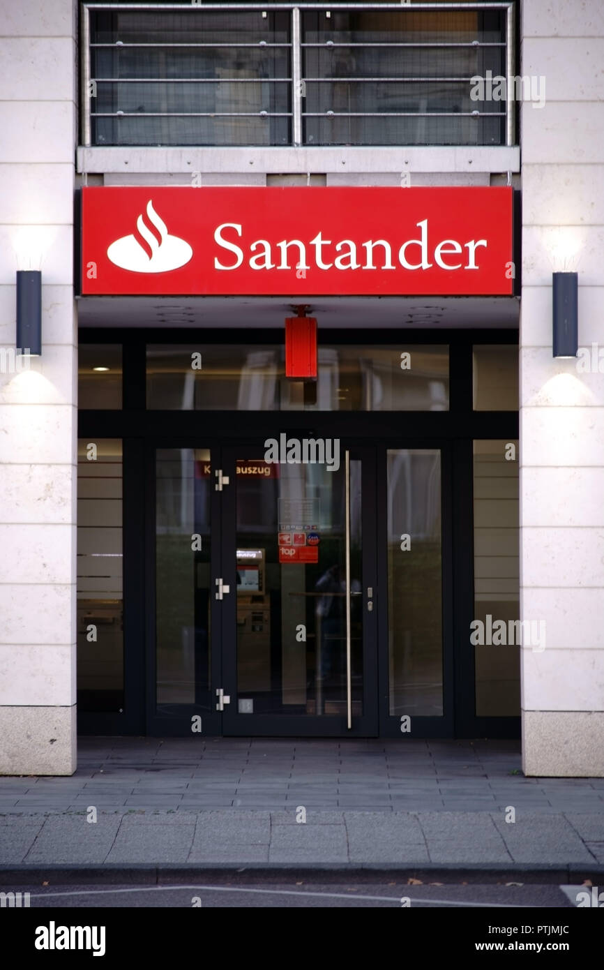 Wiesbaden Germany September 25 2018 The Entrance Of Santander Bank With A Bright Red Name Badge And A Glass Door On September 25 2018 In Wiesbad Stock Photo Alamy
