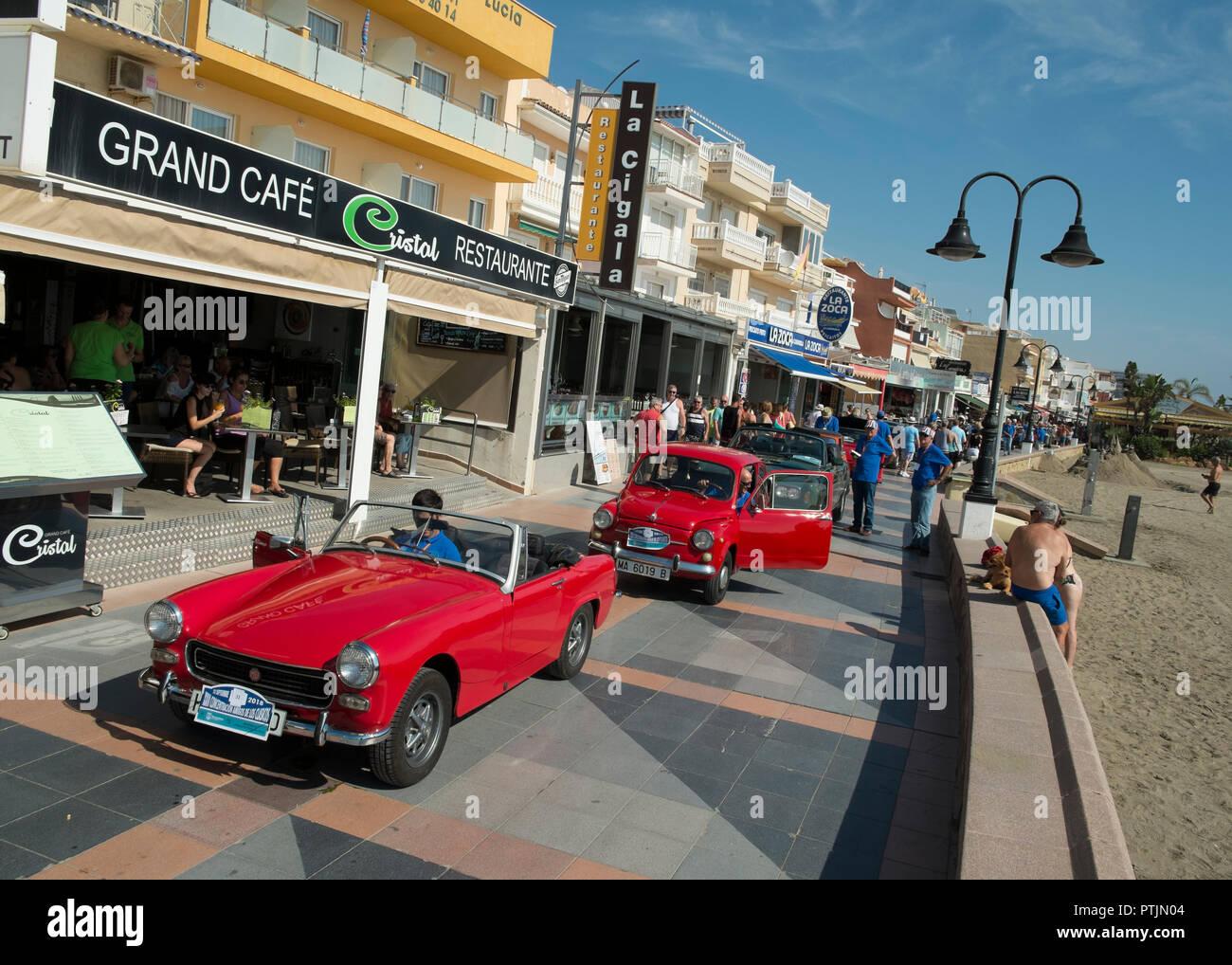 XXXIII Concentración amigos de los clásicos 2018 (Classic car meeting). Torremolinos, Málaga province, Spain. - Stock Image