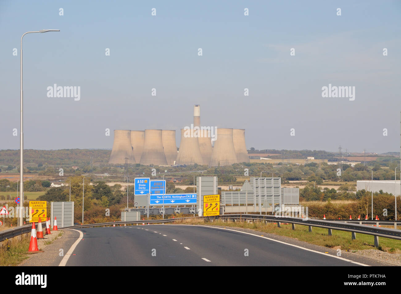 Ratcliffe-on-Soar Power Station and the Trent Valley from the A453 near Kegworth, Leicestershire, England - Stock Image