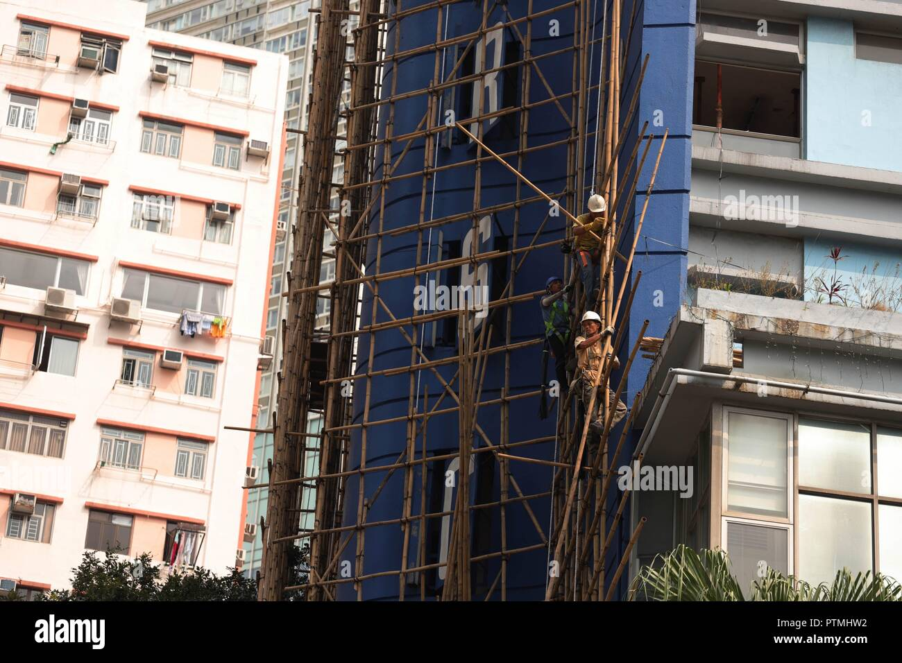 Hong Kong, CHINA. 10th Oct, 2018. Hong Kong is where Chinese traditional art of bamboo scaffolding is being kept as a classic architectural craft.Oct-10, 2018 Hong Kong.ZUMA/Liau Chung-ren Credit: Liau Chung-ren/ZUMA Wire/Alamy Live News - Stock Image