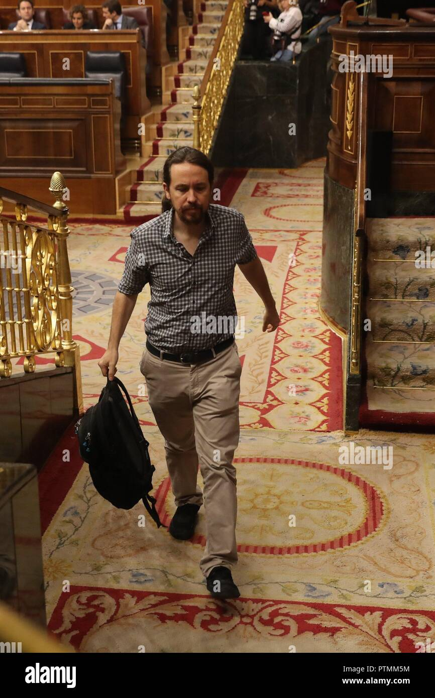 Madrid, Spain. 10th Oct, 2018. Leader of Spanish Party Podemos, Pablo Iglesias, leaves question time at the Lower House in Madrid, Spain, 10 October 2018. Credit: Ballesteros/EFE/Alamy Live News - Stock Image